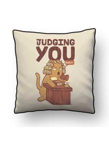 ALMOFADA---IM-JUDGING-YOU-CAT