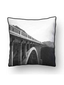 ALMOFADA---THE-FAMOUS-BIXBY-BRIDGE-III