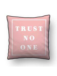 ALMOFADA---TRUST-NO-ONE---ROSA