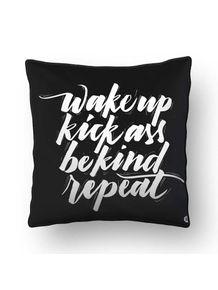 ALMOFADA---WAKE-UP-KICK-ASS
