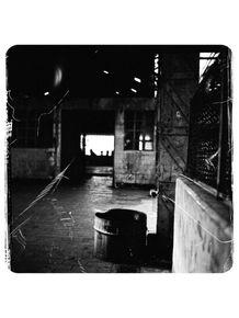 filme-fabrica-de-chocolate-abandonada-138