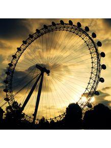 london-dusk-eye