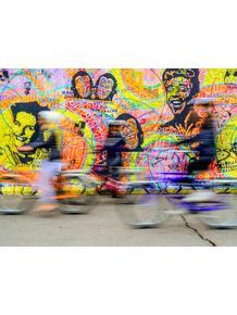bicicletas-no-muro-de-berlin