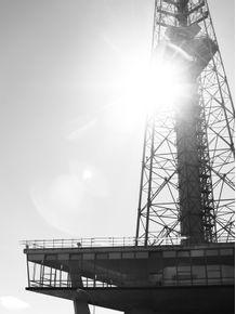 torre-de-tv-de-brasilia-ao-sol