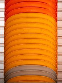 quadro-cadeiras-coloridas
