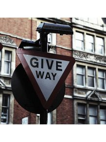 quadro-give-way