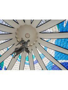quadro-anjos-na-catedral-de-brasilia-e-vitrais--arquitetura