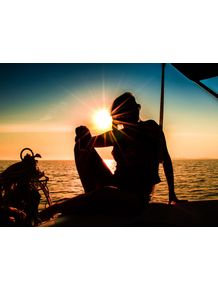 quadro-woman-on-the-boat-sunset