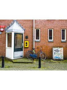 quadro-bike-and-wall