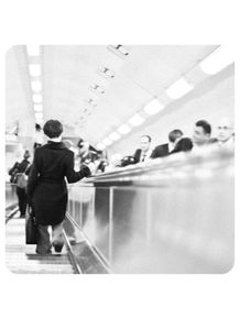quadro-charles-chaplin-no-metro-de-londres-mulher