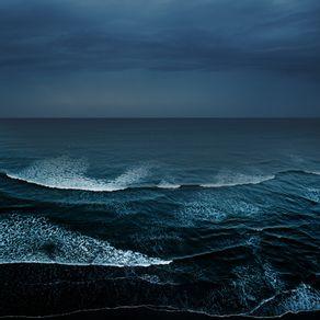 OCEANO AZUL E NEGRO